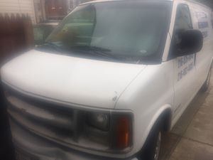 Chevy express 2002 for Sale in Lakewood, OH