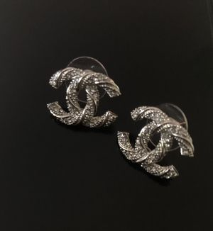 Crystal & Silver CC Earring for Sale in Rosemead, CA