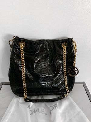 Michael kors handbag / purse / crossbody for Sale in Chicago, IL
