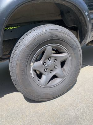 4 LIONCLAW HT R17 tires and 2001 Toyota Tacoma rims for Sale in Marina del Rey, CA