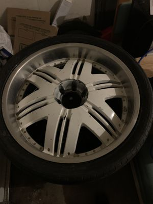 24's with tire for Sale in Lithonia, GA