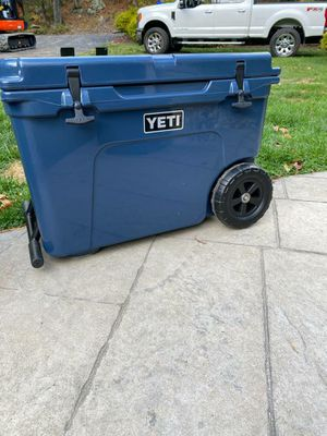 Yeti Tundra Haul Cooler With wheels for Sale in Coupland, TX