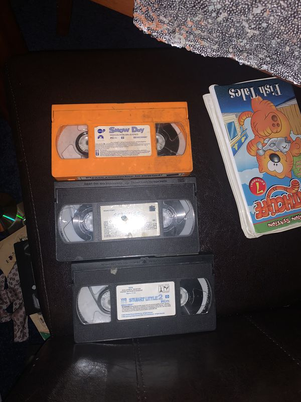 40 vhs Kids movie and DVD player