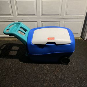 Fisher Price Storage Container on wheels for Sale in Portland, OR