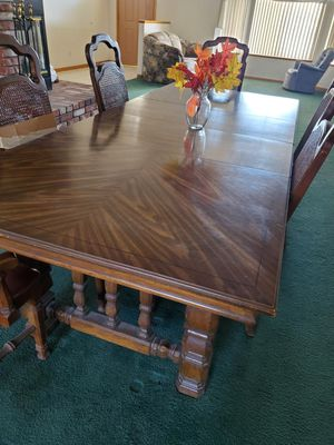 Antique table for Sale in Apple Valley, CA