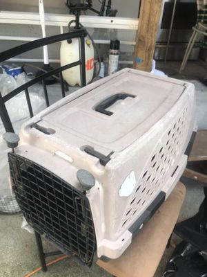 DOG O CAT CARRIER CAGE for Sale in Tampa, FL