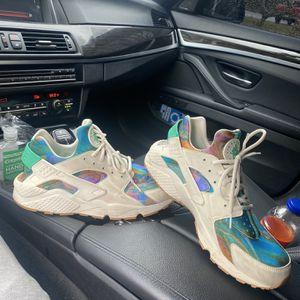 Nike Air Huarache's for Sale in Lynnwood, WA