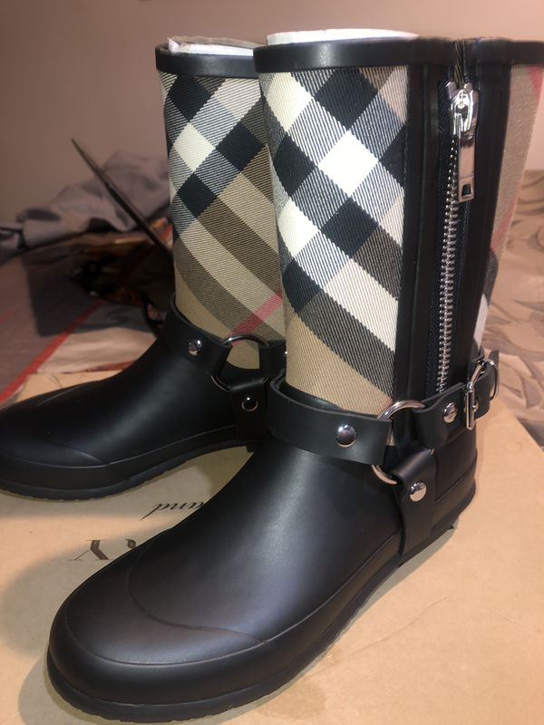 Burberry Biker rain boots size 4 ( 35 Euro) kids