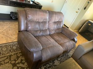 Love seat. Both recliners!! for Sale in Phoenix, AZ