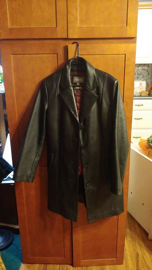 Black leather coat for Sale in Spanaway, WA