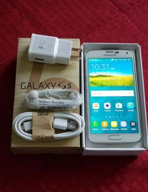 Samsung Galaxy S5, Factory Unlocked Excellent Condition Almost LiKe NeW for Sale in Springfield, VA