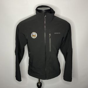 Mens Medium - Patagonia Outdoor Hiking Soft Shell Jacket for Sale in Seattle, WA