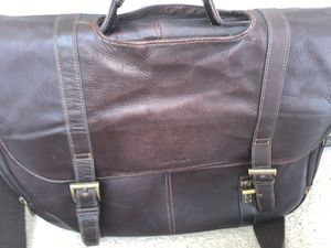 Samsonite Leather FlapOver Messenger Bag for Sale in Fairfax, VA