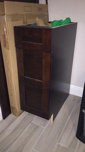 Kitchen / bathroom cabinet for Sale in Lutz, FL