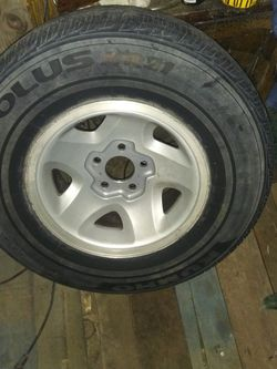 S10 Tire And Wheel for Sale in Hanford,  CA