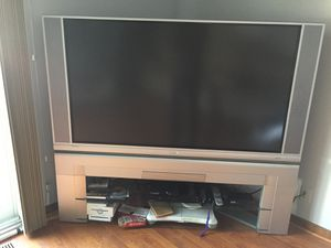 Used hitachi tv working conditions it is 60 inches 2004 model tv only for Sale in Ontarioville, IL