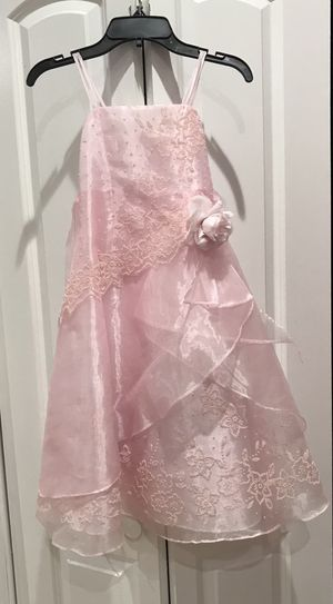 Little girl special occasion/flower girl pink dress size 6 for Sale in Hialeah, FL
