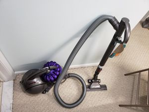 Dyson dc39 vacuum for Sale in Marlboro Township, NJ