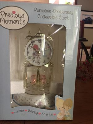 Precious moments porcelain Anniversary clock for Sale in Powder Springs, GA