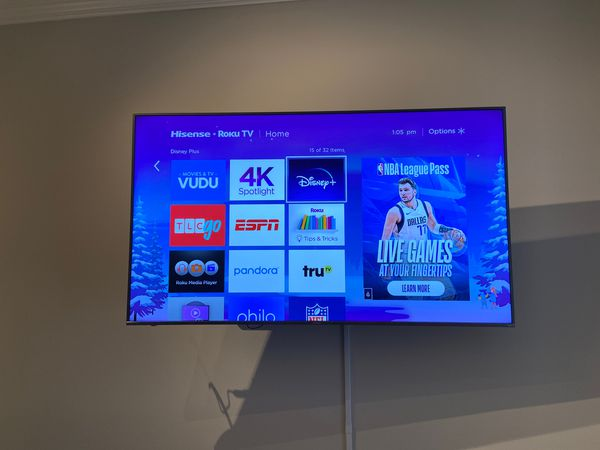 75' inch ULED Hisense Roku tv