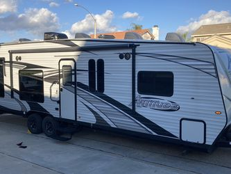 2020 Attitude 27SA TOY HAULER for Sale in Menifee,  CA