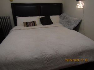 King bed frame & Headboard for Sale in Teaneck, NJ