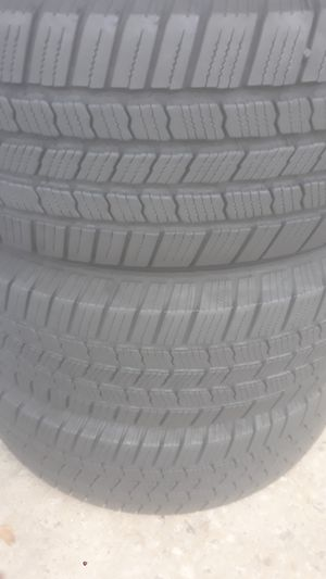 3 Michelin tires installed 265 60 18 for Sale in Atlanta, GA