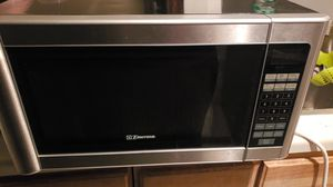microwave in very good condition for Sale in Wichita, KS