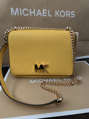 Brand new!!!💯 Real!!! Michael kors Mott ***large*** chain satchel Mustard color for Sale in Pomona, CA