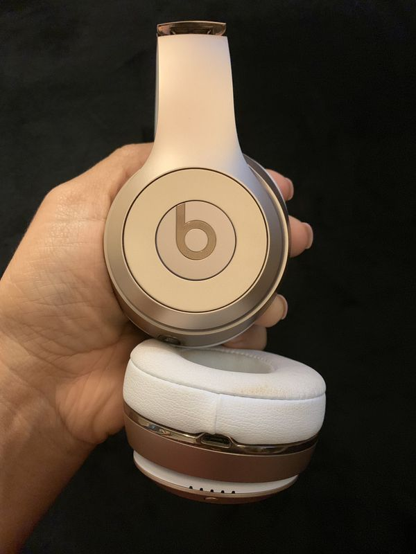 Wireless SOLO 3 beats with accessories GOLD
