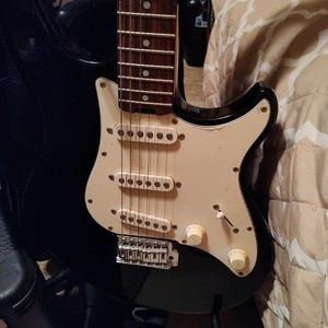 Peavey Guitar With AMP for Sale in Houston, TX