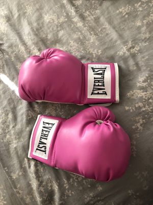 Pink boxing gloves for Sale in Modesto, CA