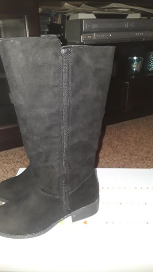 New black girls boots size 2 for Sale in Pasadena, TX