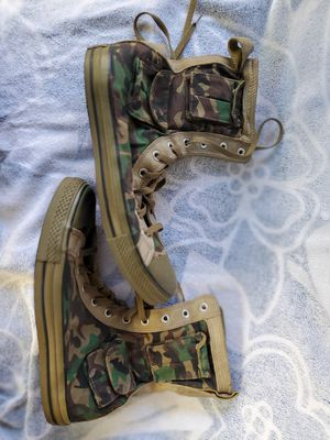 CONVERSE CHUCK TAYLOR Pocket MB XHI Military Olive Camo BOOTS NEW for Sale in Hayward, CA