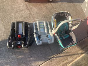 2 Graco Click Connects and Graco Car Seat for Sale in Springdale, AR
