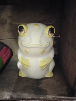 Vintage Ceramic Kitchen Frog for Sale in Pittsburgh, PA