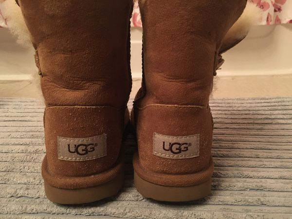 $15 real uggs size (2)