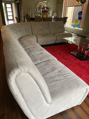 Like new used for staging sectional couch for Sale in Monroe, WA
