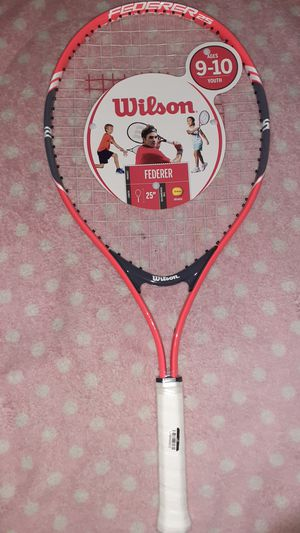 Wilson Federer 25 in tennis racket ages 9 to 10 youth kids tennis racket for Sale in Hialeah, FL