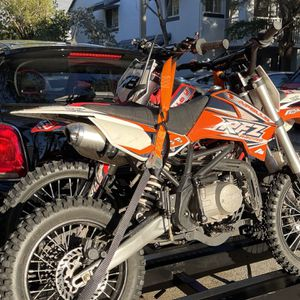 Dirt Bike Apollo X18 RFZ 125cc 4Speed Manual Transmission Big Tires 17/14 for Sale in Weston, FL