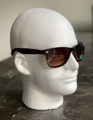 130qty box of sunglasses at wholesale Price for Sale in Oakland, CA