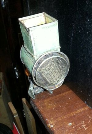 ANTIQUE FRIPU 201 KITCHEN TABLE MOUNT GRINDER for Sale in Norton, OH