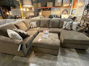 Sectional Sofa, Brown for Sale in Santa Fe Springs, CA