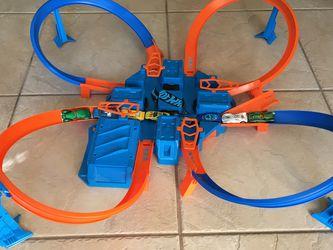 Criss Cross Hot wheels Track Set for Sale in Apopka,  FL