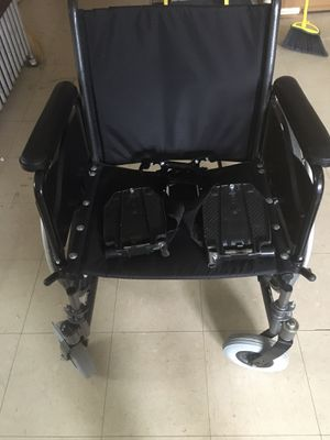 Invocare large wheelchair with feet for Sale in Riverside, IL