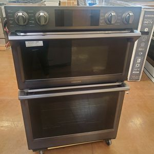"Samsung 30"" Electric Wall Microwave & Oven Combo for Sale in Chino Hills, CA"