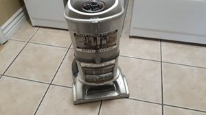 Shark lift off bagless vacuum. for Sale in Scottsdale, AZ