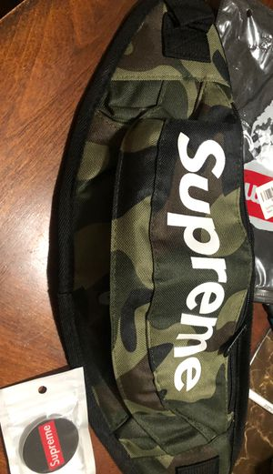 Supreme Fanny pack for Sale in East Los Angeles, CA