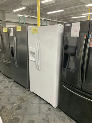 New Whirlpool White Refrigerator FACTORY WARRANTY for Sale in Ontario, CA