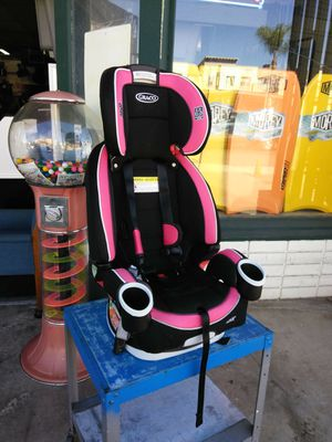 GRACO 4EVER Baby's Car Seat (manufactured 12/21/2016) for Sale in Escondido, CA